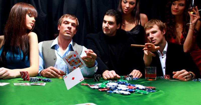 Playing Poker Online Improves Your Skills